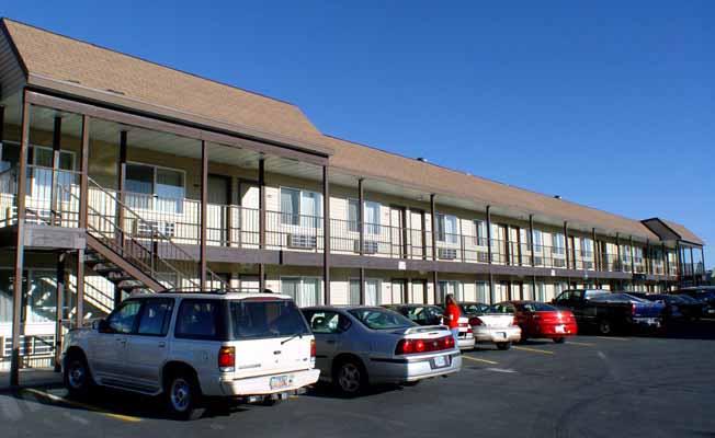 Dude Roundup Motel