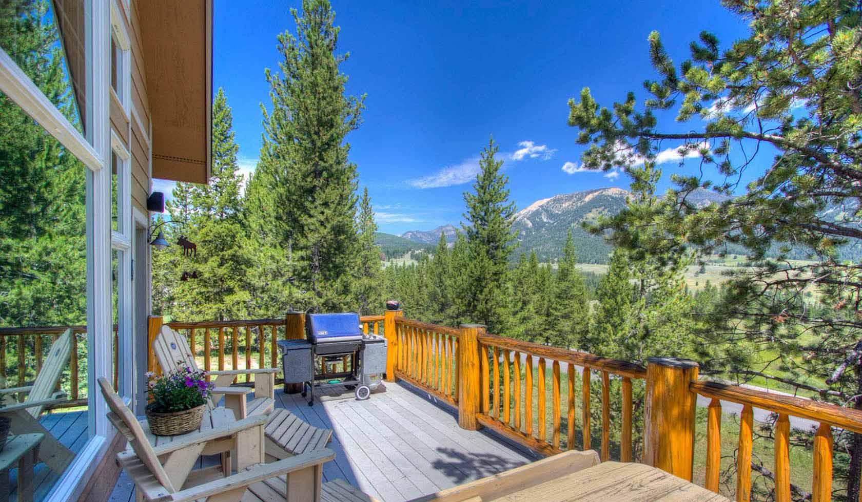 Bear Track Lodge profile image