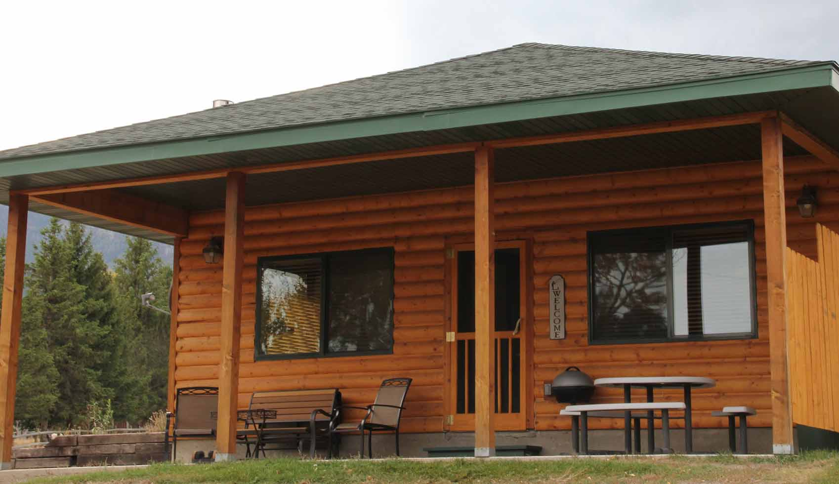 #1 & #8 Yellowstone Park Riverfront Cabins profile image
