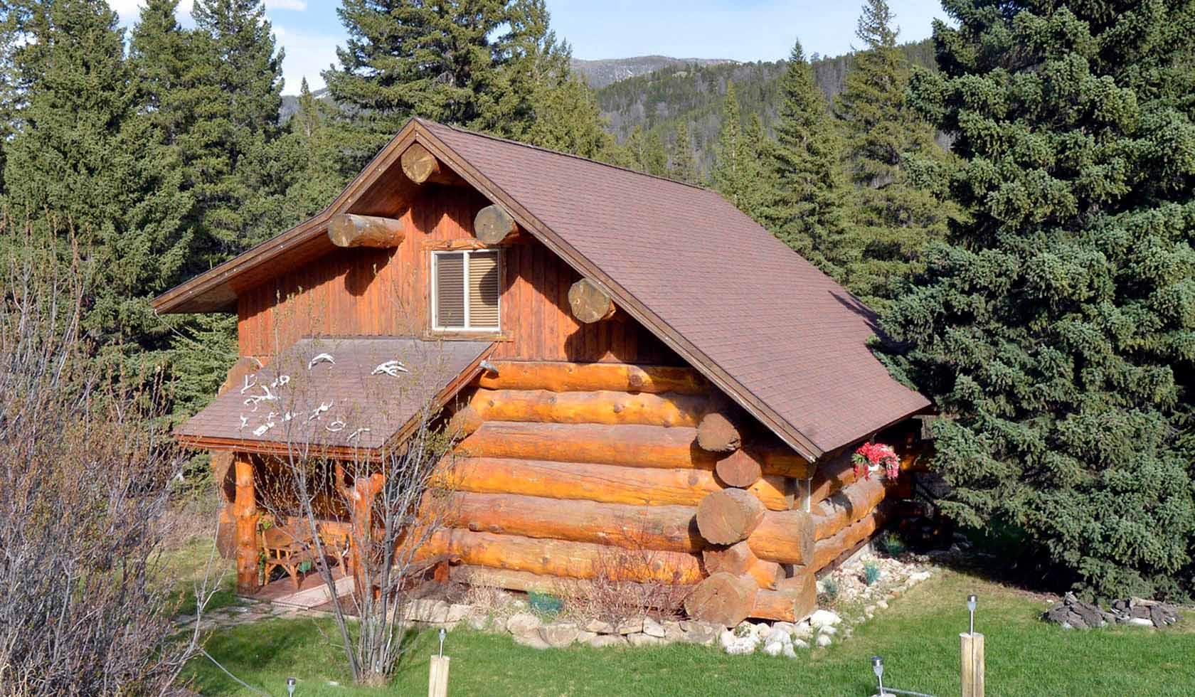 A Gallatin River Guest Cabin profile image