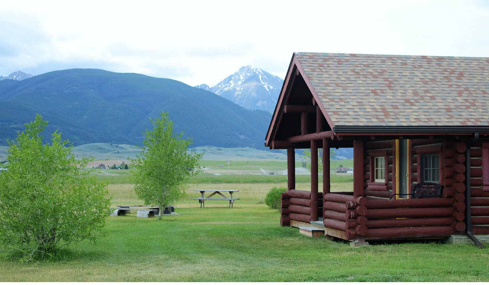 5 Cabin Home profile image