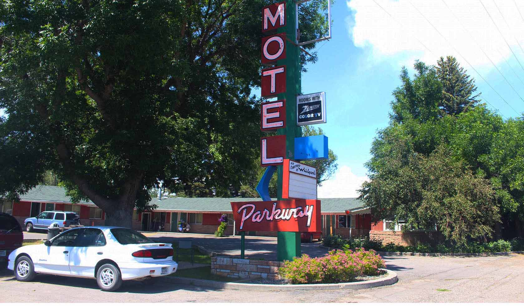 Budget Host Parkway Motel profile image
