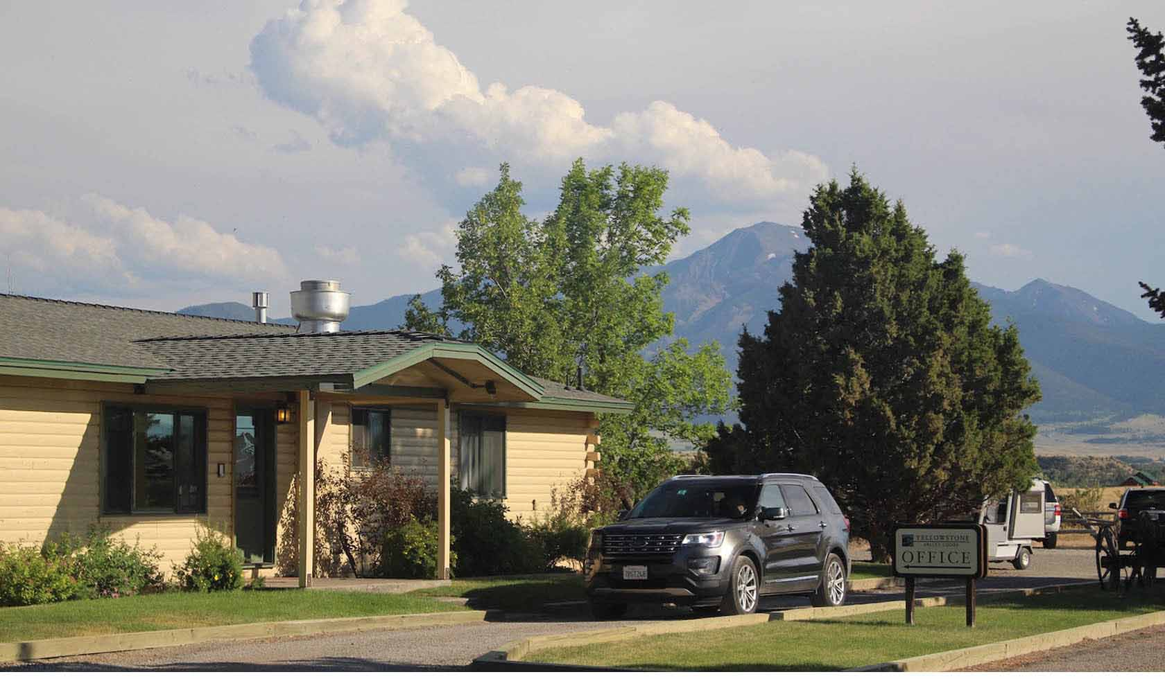 Yellowstone Valley Lodge profile image